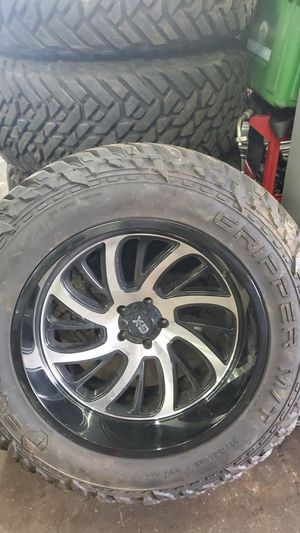 Jeep wrangler 5 wheels and tires for Sale in Aurora, IL