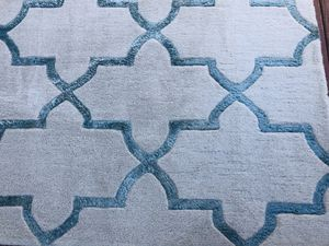 Trellis Pattern Wool Blend Area Rug 8 x 10 for Sale in Willow Spring, NC