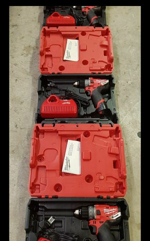 MILWUAKEE M12 FUEL BRUSHLESS 3 GEN SPPED HAMMER DRILL KIT BATTERY AND CHARGER BRAND NEW for Sale in San Bernardino, CA