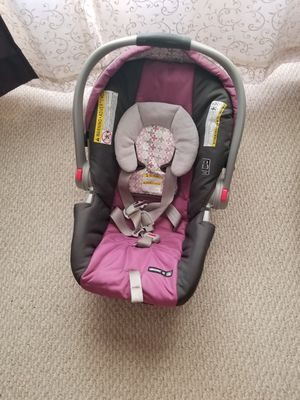 Graco stroller/ car seat /2 bases for Sale in Brunswick, OH