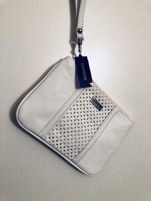 Express - white small wristlet for Sale in Miami, FL