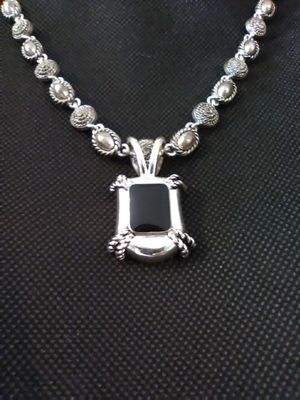 Vintage Avon Necklace for Sale in Grove City, OH