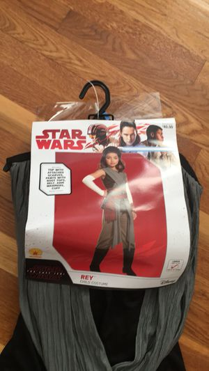 Star Wars costume (REY) for Sale in Lowell, MA