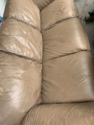 Couch for Sale in Smithville, MO