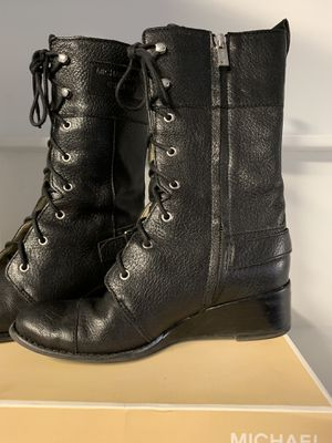 Michael kors boots for Sale in Brentwood, CA