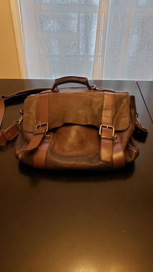 Mens Leather Messenger Bag for Sale in Lisle, IL