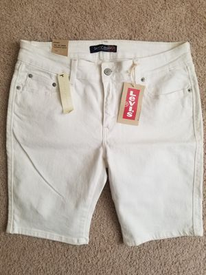 New Levi's shorts (junior size 15 or women's 8-10) for Sale in Washington, DC