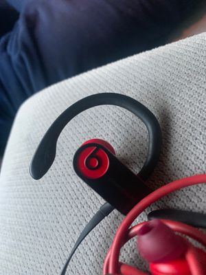 beats wireless comes wit.charger for Sale in Columbus, OH