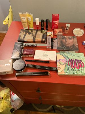 Lot of beauty products for Sale in North Bergen, NJ