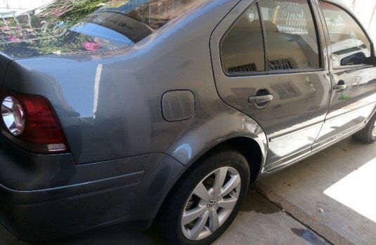Volkswagen Jetta 2004 for parts only I will consider all offers