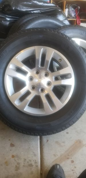 Michellin energy saver all season road tires 265/ 65R18 for Sale in Glendale, AZ