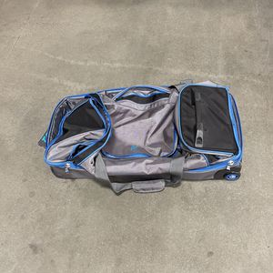 Rolling Duffle Bag for Sale in Corona, CA
