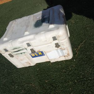 HEAVY DUTY ARMY SUPPLY CRATE HAS A Breather VALVE And Thick foam Will HaveIT SPOTLESS FOR NEW OWNER NOT A CHEAP BOX ASKING $145 FIRM for Sale in Phoenix, AZ