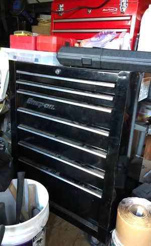 BLACK SNAP ON TOOL BOX for Sale in Framingham, MA