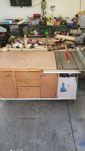 Craftsman 10in table saw in cabinet for Sale in Battle Ground, WA