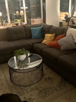 Grey Sectional Pull Out Couch for Sale in Chicago,  IL