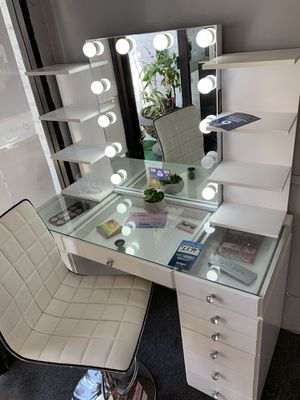 White 13- drawer vanity with Bluetooth vanity mirror and shelves included for Sale in Bell, CA