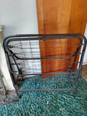Vintage fold away bed frame for Sale in Saint Clair, MO