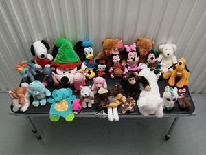 Stuffed animal collection for Sale in Sarasota, FL