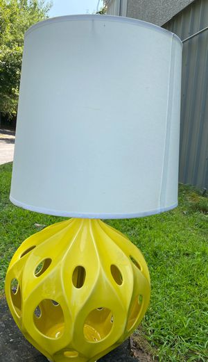 Large Contemporary Design Yellow Ceramic Table Lamp with Shade and Lucite Finial for Sale in Danbury, CT