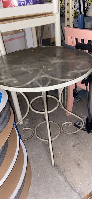 Free outdoor table for Sale in Chicago, IL