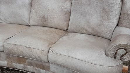 LEATHER SOFA for Sale in Knightdale,  NC