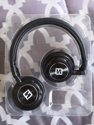 Lightweight Headphones with Mic for Sale in Washington, DC