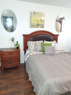 Queen Bedroom Set for Sale in North County, MO