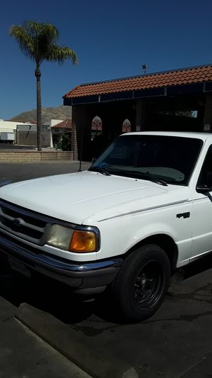 VENDO FORD RANGER 1996 ..CLEAN TITTLE. STANDAR 5 VELOCIDADES. 4×2 .. for Sale in Moreno Valley, CA