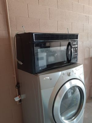 GE gas and electric stove plus microwave for Sale in North Las Vegas, NV