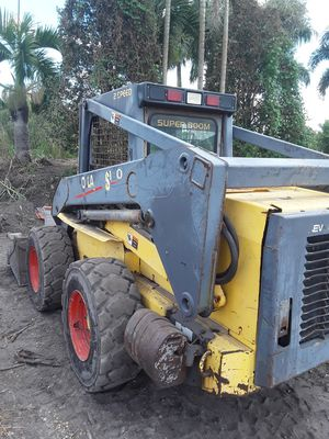 NEW HOLLAND SKID STEER LS190 for Sale in Wilton Manors, FL