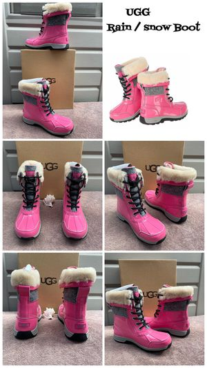Ugg Sparkle waterproof snow rain boots size 4y ((also fits size 6 women )) super cute $75 🙅 firm pick up only 100% Authentic for Sale in Los Angeles, CA