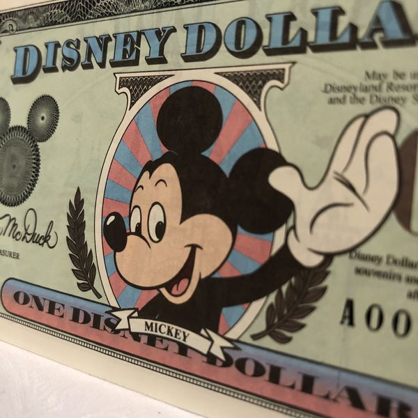 Set of 4 Disney Dollars (Sequential serials)- Perfect Conditiona
