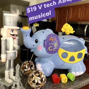 VTech Baby Elephant Pull & Discover Toy for Sale in Gilbert, AZ