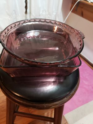 2 pyrex 1 pie dish and 1 pan purple for Sale in Stonecrest, GA