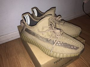 """Yeezy 350 V2 """"earth"""" size 9.5 for Sale in Los Angeles, CA"""