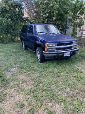 1993 Chevy blazer need engine with all these parts for Sale in Hollywood, FL
