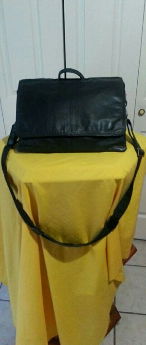 Leather bag for laptop. Great condition for Sale in McAllen, TX