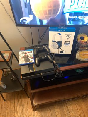 PS4 w/ 2 controllers for Sale in Columbus, OH