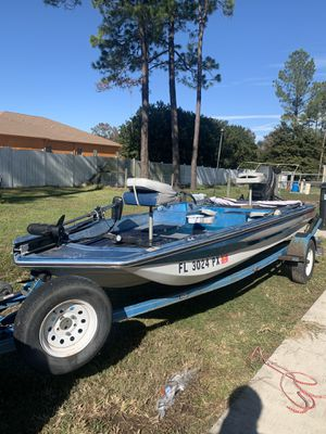 15.5 ft fox craft bass boat for Sale in Wesley Chapel, FL