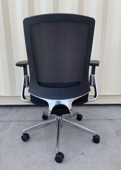 NEW HON Lota model H2283VA10 full adjustment recline mesh back office Chair in Black Cushion Seat Polished Aluminum MSRP $925 for Sale in Los Angeles,  CA