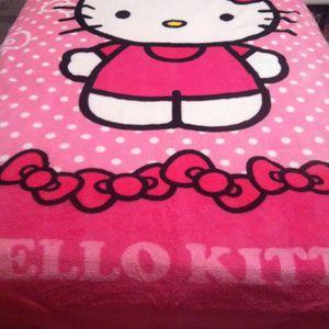 Hello Kitty Sanrio blanket (Twin Size) for Sale in Las Vegas, NV