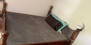 King Size Mattress & Frame (Smoke&BugFreeHouse) for Sale in Granville, OH