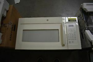 GE Over The Range Microwave for Sale in Brentwood, CA
