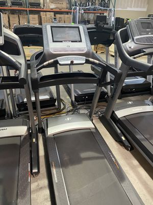"""NordicTrack T9.5 Treadmill with Hugeeee 14"""" screen for Sale in Peoria, AZ"""
