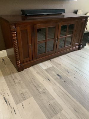 Tv console table for Sale in Denver, CO