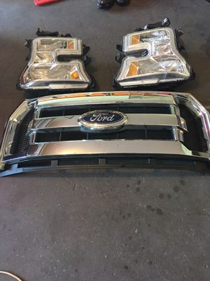 2017 F150 headlights and grill original for Sale in Eagle Lake, FL