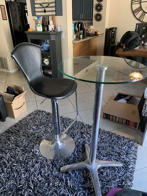 Bar stool and bar table for Sale in San Diego, CA