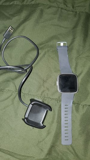 Fitbit Versa Lite, 8 months out of the box for Sale in Arvada, CO