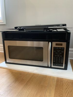 GE Microwave - Sept. 2006 - Stainless Steel - Works Great for Sale in Chicago, IL